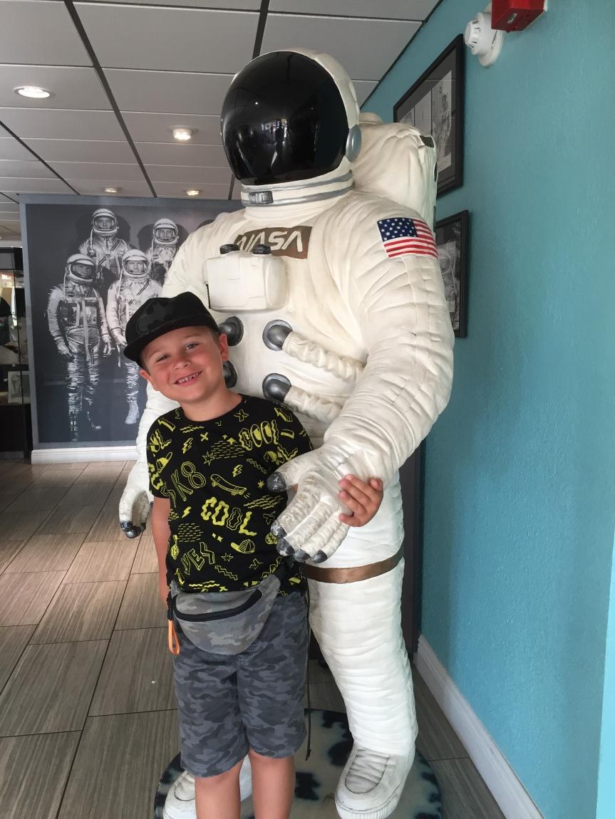 """""""Mam przyjaciela kosmonautę"""" i prawdziwa wyprawa doNASA."""