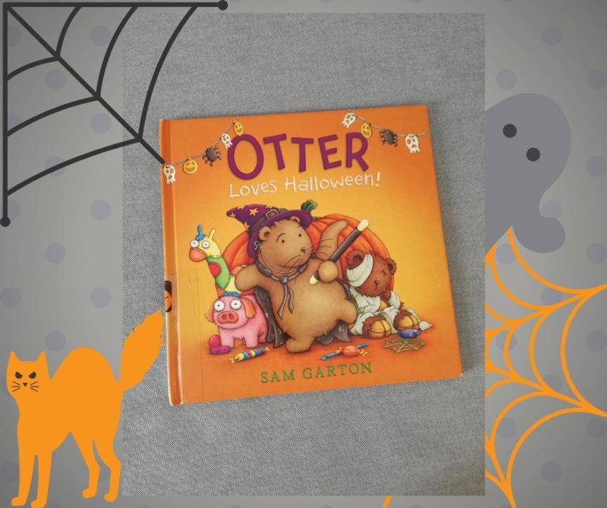 #Halloween / Otter lovesHalloween